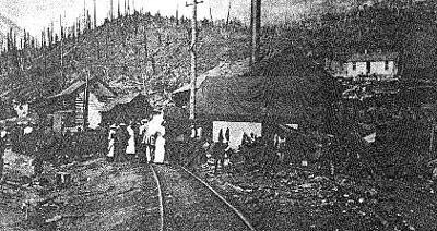 Crowd at site of Hillcrest Mine Disaster